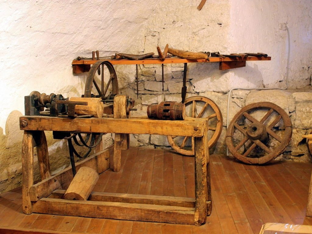 Pazin_castle_museum_the_wheelwright