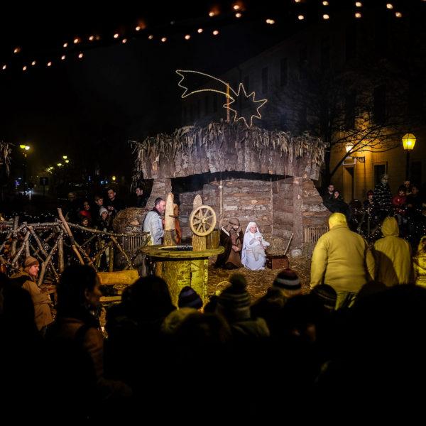 live-nativity-scene-40-s-katelan-595609a75ee88