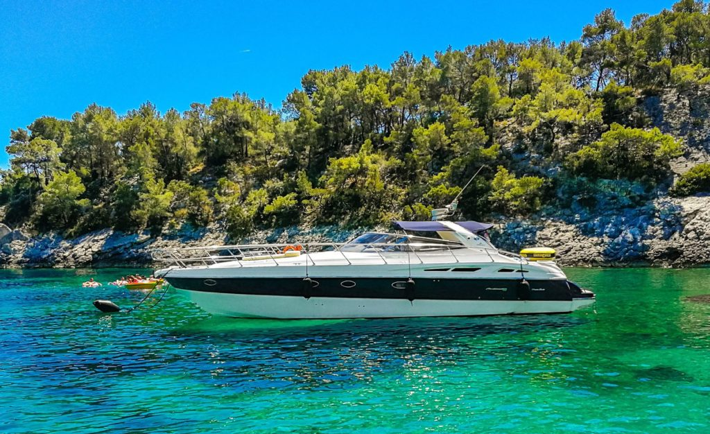 Private sailing or private speed boat tour with Klobuk Travel